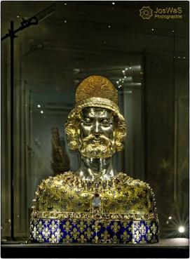 Kaiser Karl der Große Reliquiar Schädeldecke Dom Schatzkammer Aachen